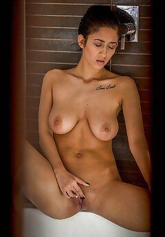 Shower Voyeur Pics