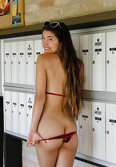 Bikini Voyeur Pics
