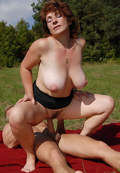 Voyeur Women Pics