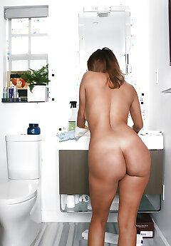 Naked Voyeur Pics