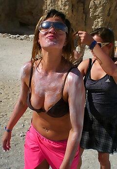 Bikini Slip Voyeur Pics