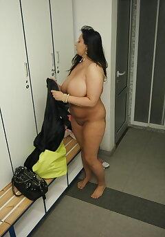 Locker Room Voyeur Pics