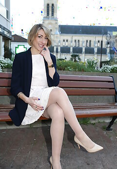 Lady Voyeur Pics